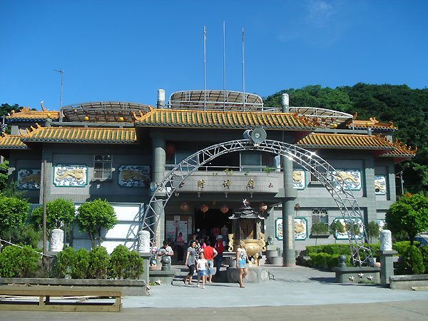 the fortune god temple in jinshan