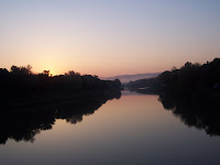 il fiume arno una mattina estiva