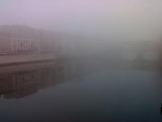 firenze con la nebbia