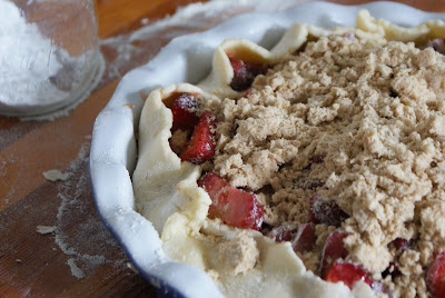 Rhubarb+pie+ +unbaked+2 Strawberry Rhubarb Pie with Sour Cream Ice Cream