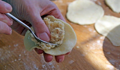 Cheryl+filling+peroghies Peroghy/Pierogi/Pyrohy (Stuffed with Mashed Potatoes, Chicken & Gravy)