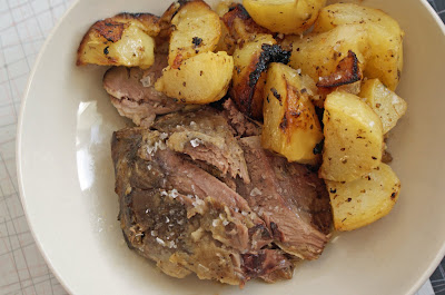 Roast+lamb+%26+lemon+potatoes Slow cooked Leg of Lamb with Garlic, Lemon and Rosemary, and Lemon Potatoes with Garlic & Oregano