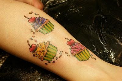 http://2.bp.blogspot.com/_OtmHMa9bymg/SwvW2wulNNI/AAAAAAAAAEo/t6QRreg_re8/s400/me-cupcake-tat-2-1-400x266.jpg