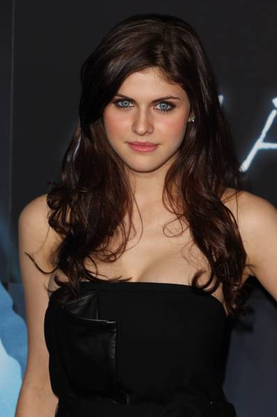 alexandra daddario and logan lerman kiss. Alexandra will be replacing