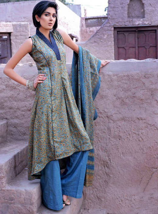 Long+Kameez+With+Trouser+For+2011+%25281%2529 New Fashion Trend
