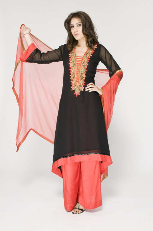 Long+Kameez+With+Trouser+For+2011+%25283%2529 New Fashion Trend