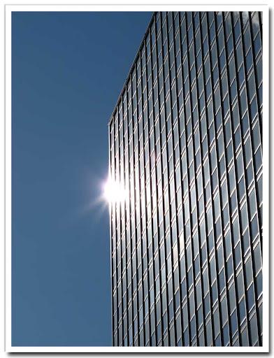 Hötorgsskrapa med solblänk
