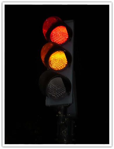 Röd-gult, i väntan på grönt