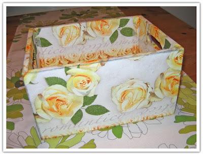 Lådan klädd med rosor