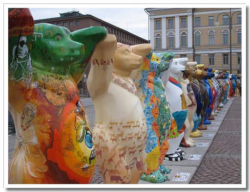 Buddy Bears på Senatstorget i Helsingfors