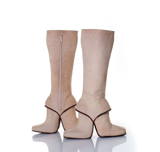 Doppel Stiefel zum vor- und rückwärts Laufen