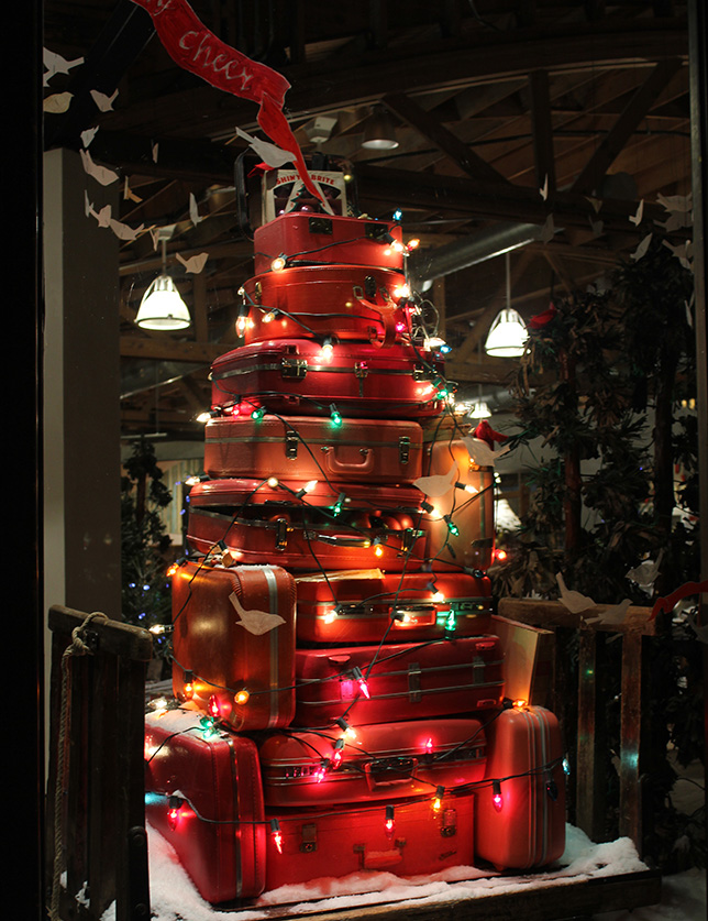 luggage store display, Southport, Chicago, Christmas, 2010