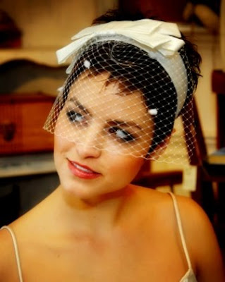 Birdcage_veil_with_raw_silk_headband.jpg