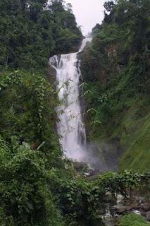Air Terjun Curup Tenang di Indonesia