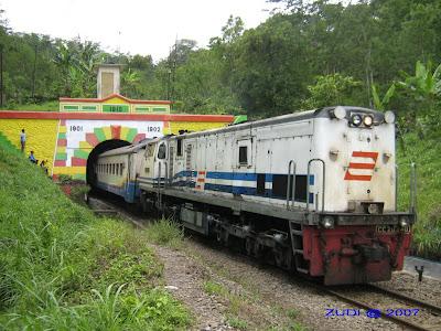 Terowongan Mrawan (690 m)