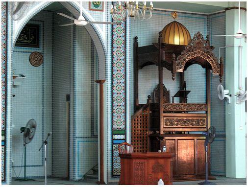 Mimbar Masjid Jamek Paka