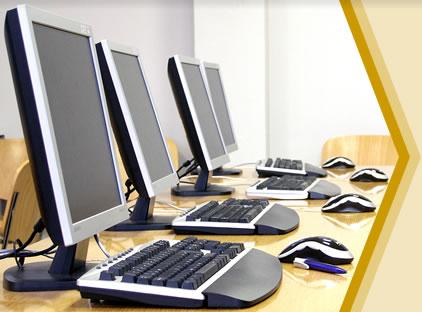 Saat ini komputer telah banyak membantu dalam perkembangan sejarah ...