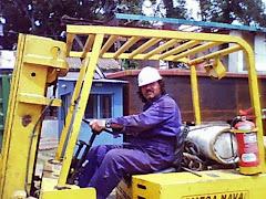 Adrián trabajando en el astillero