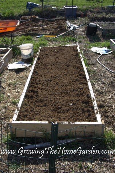 Efficient Vegetable Garden Layout Related Keywords
