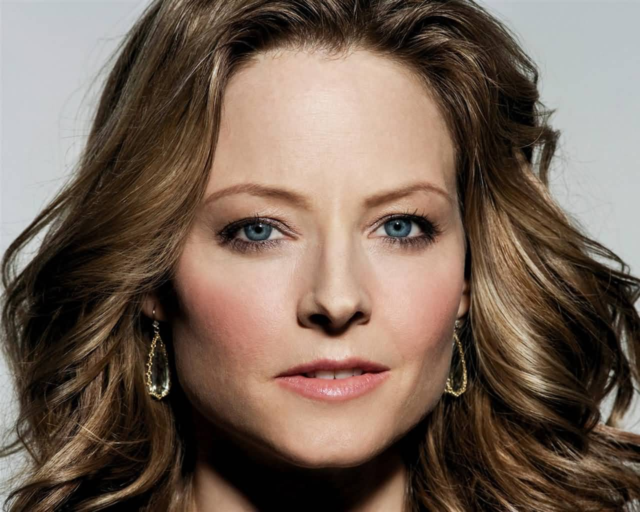 Actress Jodie Foster has been accused of battery. A police report that dates ...