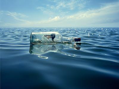 http://2.bp.blogspot.com/_P0HLMWdD9dU/R2mWevAIiuI/AAAAAAAAAm8/MbggwAlaEa0/s400/bottle+sea+woman.jpg