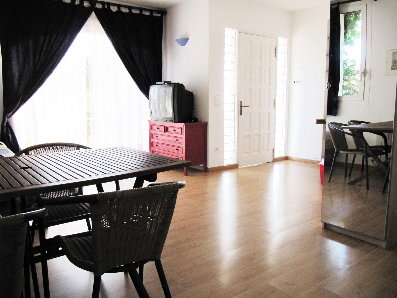 Lasbuganvillasonline apartamento sitges - Apartamentos mediterraneo sitges ...