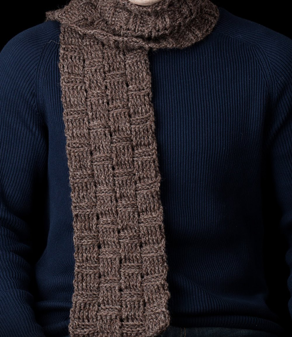 Crochet Mens Scarf : Crochet Keyhole Scarf Crochet Pattern Red Heart