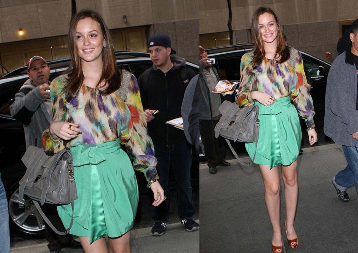 http://2.bp.blogspot.com/_P1z-S8bYwyY/TFWH9q6gQ-I/AAAAAAAAAD8/jdaALHXZAfA/s1600/Celebrity+Leighton+Meester+aka+Blair+Waldorf+and+Cartier+Love+ring+(small).jpg