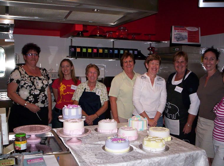 Mothers Day Cake Class
