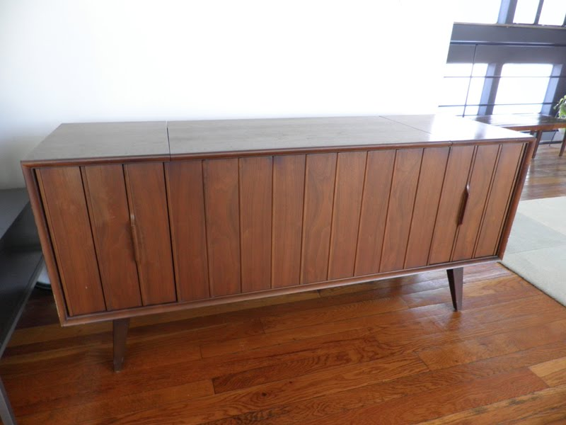 Cincinnati Modernation: Thrift Store Score - Zenith Stereo Cabinet