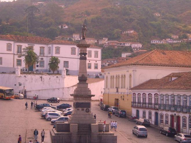 **  Praça Tiradentes - Ouro Preto  **