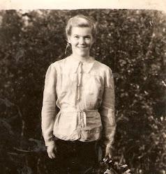 MARÍA STEPANOVNA.14 AÑOS.KOSMYNKA.1947.