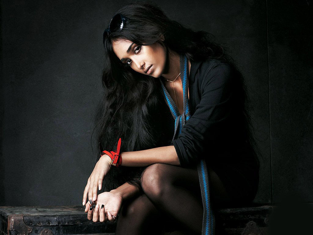 free celebrity wallpapers: Jiah Khan hot wallpaper