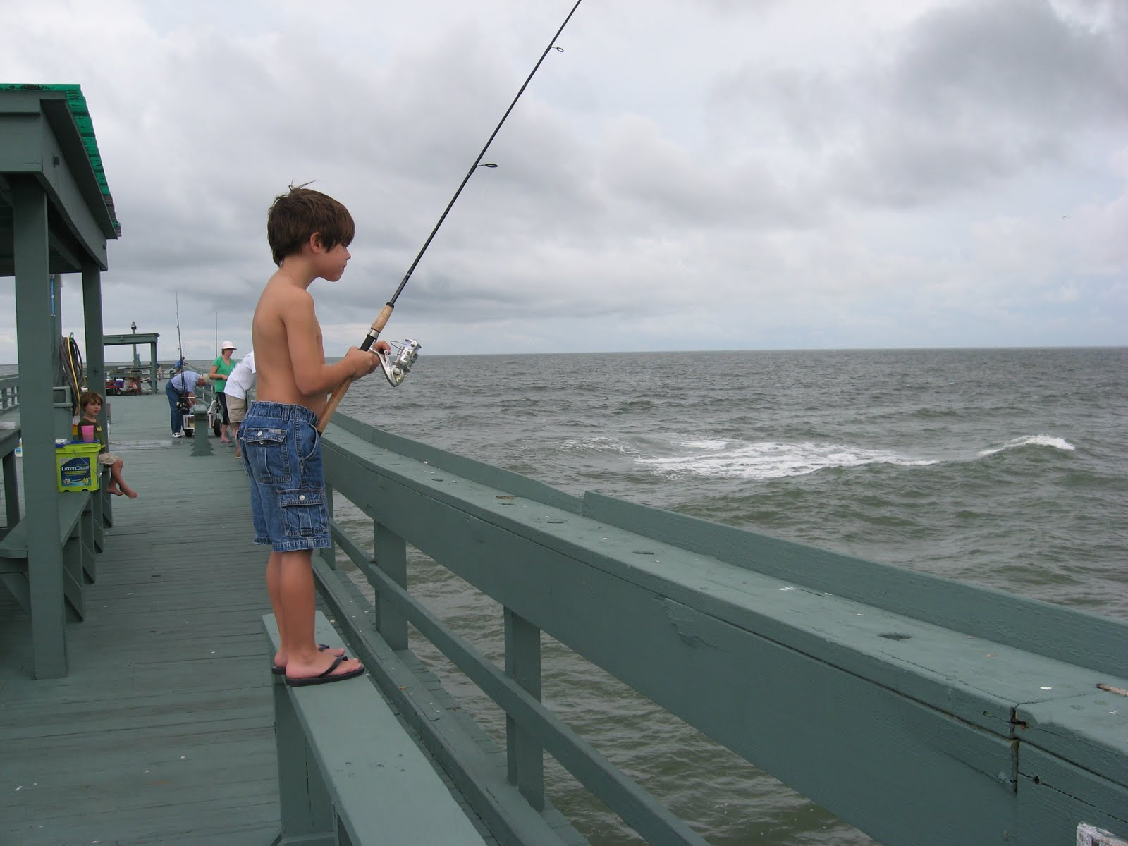Saltwater fishing tips for the south february 2010 for Pier fishing tips