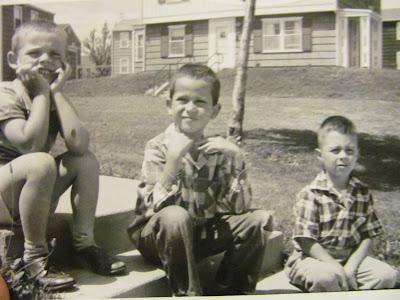 Steven E. Streight grade school friends in Fieldmore Apartments (The Villas) Peoria, IL