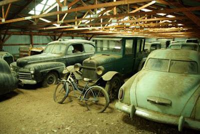 Autos de clasicos y de poder, destruidos por el tiempo!