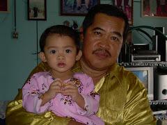 Nurul dengan Atuknya.....Bapa akulah....