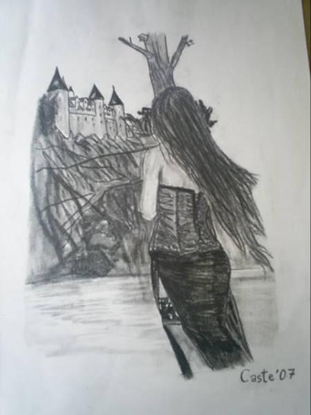 Chica viendo castillo