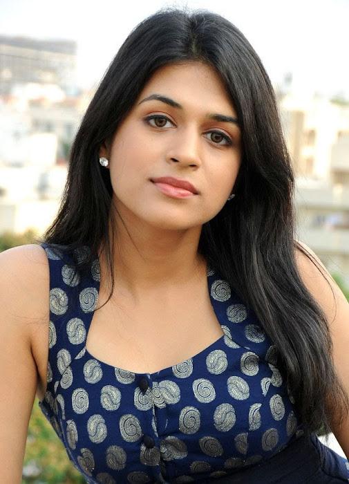 shradha das actress pics
