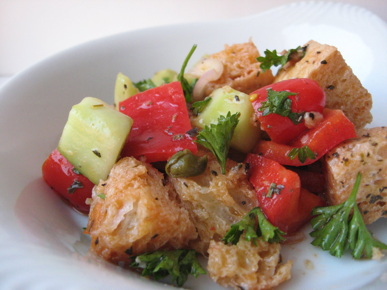 she's in the kitchen: panzanella ( italian bread salad)