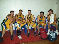 5 integrantes del equipo