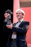 Patino recogiendo el premio honorífico `Ciudad de Huesca´