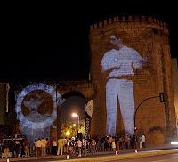 Taller de Live Cinema, proyección de fotoilustración en las calles de Granada