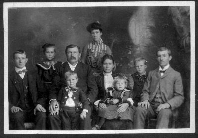 Hermann Weiss, first brewer at Shiner, and his family