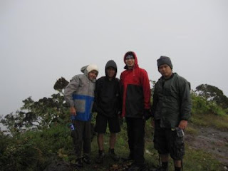 Puncak Cikurai : Irwenk, Eka, Tono, Babay