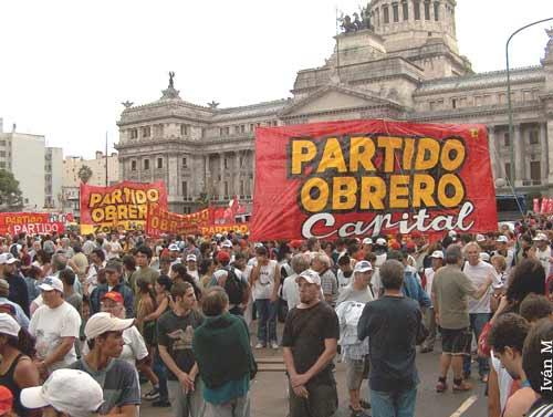 """""""La clase obrera debe construir su propio partido"""", Leon Trotsky"""