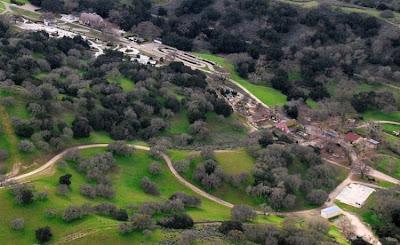 http://2.bp.blogspot.com/_PIQ4JS16z9Q/SlbWeEkhM8I/AAAAAAAABVU/VGBliZszje4/s400/neverland_ranch_37.jpg