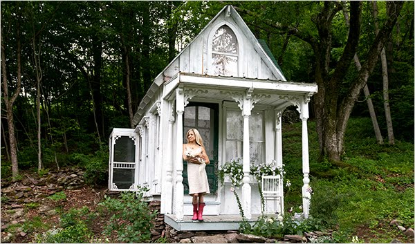 Vintage Girl A Victorian Cottage In The Woods