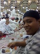 berbuka di masjidil nabawi