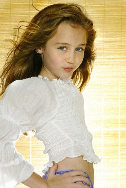 Miley Cyrus Child Photos. Posted by H4bib at 12:10 PM 0 comments